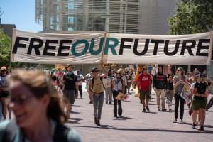 La demostración Free Our Future organizada por Mijente en San Diego, CA, el 2 de julio de 2018. Photo by Angela Jimenez